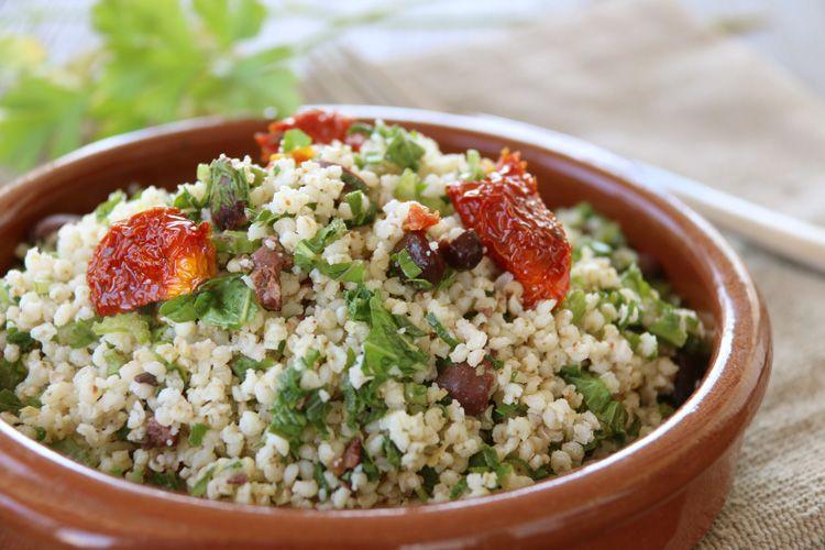 ensalada de mijo y verduras verdes