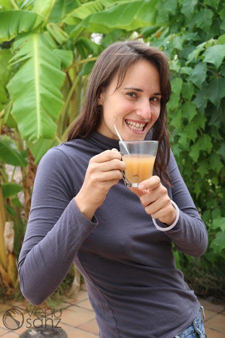venu-drinking-tea